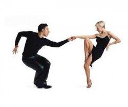 Красивый танец сальса поможет привлечь внимание к проблеме рака груди